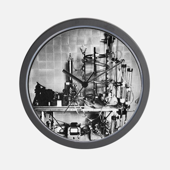 Heart-lung machine, 20th century - Wall Clock