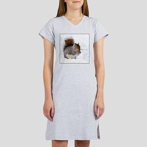 Squirrel in the snow Women's Nightshirt