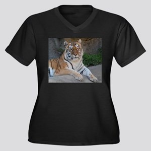 Bengal Tiger Women's Plus Size V-Neck Dark T-Shirt