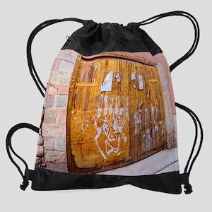 2-Door6Peru Drawstring Bag