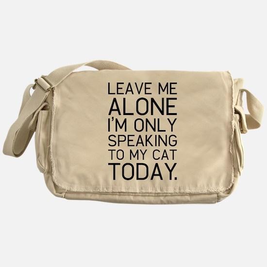 Only my cat understands. Messenger Bag