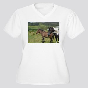horses on the moor Plus Size T-Shirt