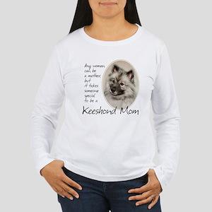 Keeshond Mom Long Sleeve T-Shirt