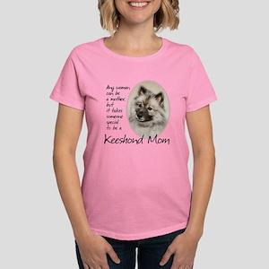 Keeshond Mom T-Shirt