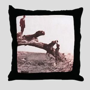 1920s rest stop Throw Pillow