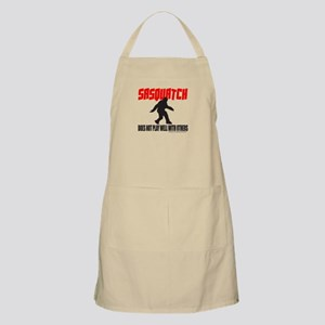 SASQUATCH DOES NOT PLAY WELL WITH OTHERS Apron