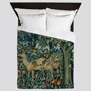 The Greenery Queen Duvet