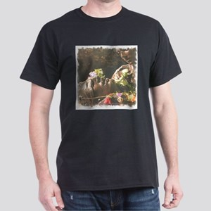 Vietnam Womens Memorial 1 Dark T-Shirt