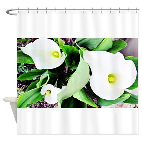 Merveilleux Three Callas Shower Curtain