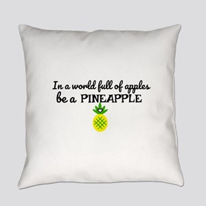 Be a pineapple Design Everyday Pillow