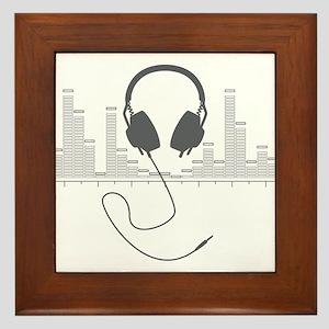 Headphones with Audio Bar Graph in Grey Framed Til