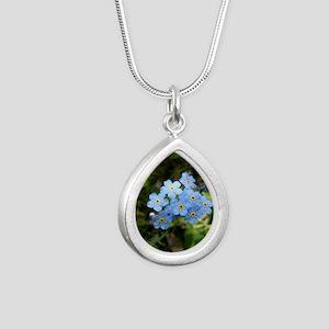 P7230069 Forgetmenot #01 Necklaces