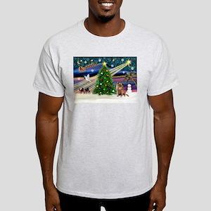 XmasMagic/Chihuahua Light T-Shirt