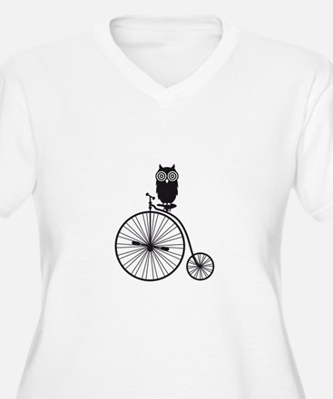 owl on old vintage bicycle Plus Size T-Shirt