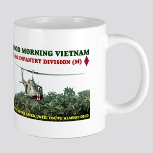 5th INFANTRY DIV VIETNAM Mugs
