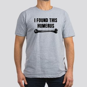 I Found This Humerus Men's Fitted T-Shirt (dark)