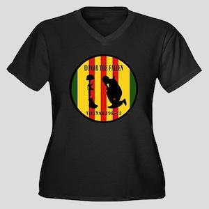 Honor the Fallen Vietnam 1965-73 Plus Size T-Shirt