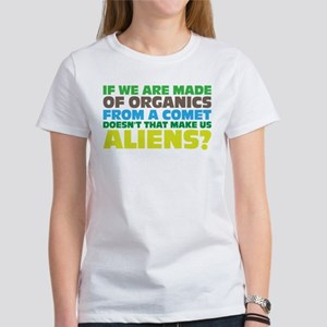 Are we all aliens? T-Shirt