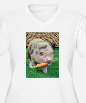 Micro pig with carrot Plus Size T-Shirt