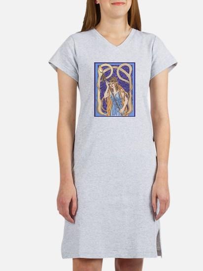 owl eyed athena Women's Nightshirt