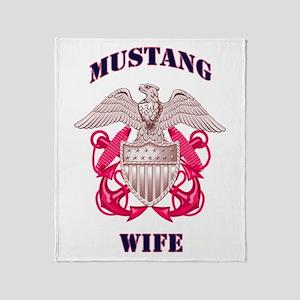 mustang wife pink Throw Blanket
