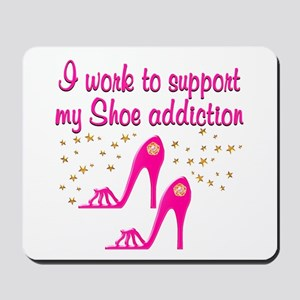 SHOE CHICK Mousepad