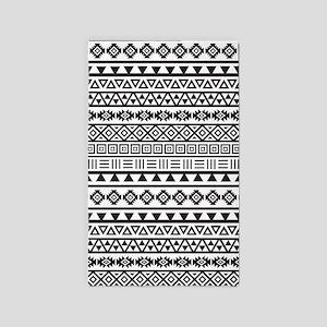 Aztec Influence Pattern B W 3 X5 Area Rug