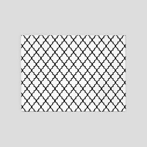 Black and White Quatrefoil 5'x7'Area Rug
