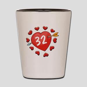 32ahrtbtn Shot Glass