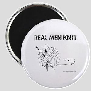 Real Men Knit Round Magnet