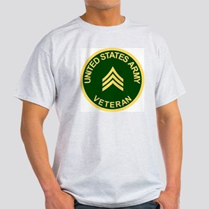 Army-Veteran-Sgt-Green Light T-Shirt