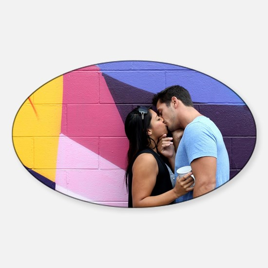 Kissing Sticker (Oval)