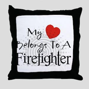 My heart belongs Throw Pillow