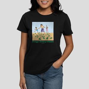 Frogs Everywhere flat Women's Dark T-Shirt