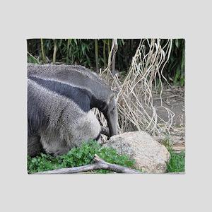 Giant Anteater (7) Throw Blanket