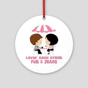 5th Anniversary Paris Couple Ornament (Round)