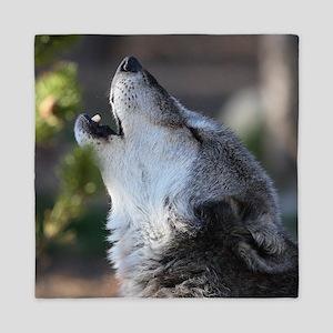 wolf howling Queen Duvet