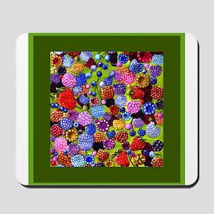 berries square green border Mousepad