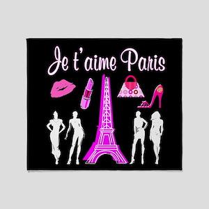 PARIS FASHION Throw Blanket