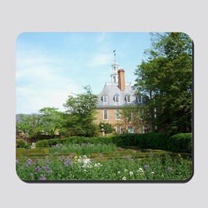 GOVERNORS PALACE FORMAL GARDENS WILLIAMS Mousepad