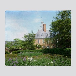 GOVERNORS PALACE FORMAL GARDENS WILL Throw Blanket