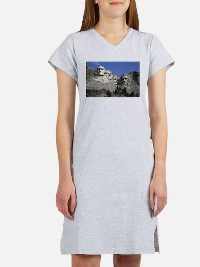 Mount Rushmore Women's Nightshirt