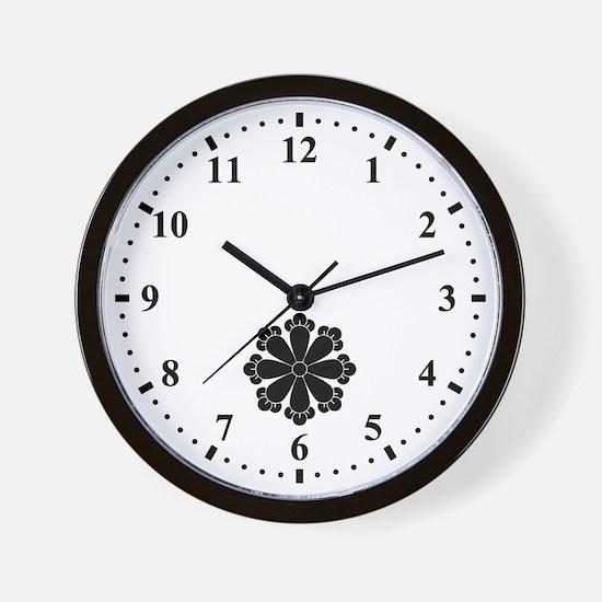 Eight cloves Wall Clock