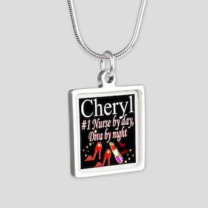 CHIC NURSE Silver Square Necklace