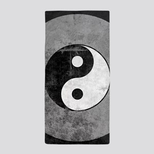 Distressed Yin Yang Symbol Beach Towel