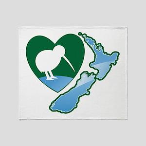 MAP of NEW ZEALAND with kiwi bird heart Throw Blan
