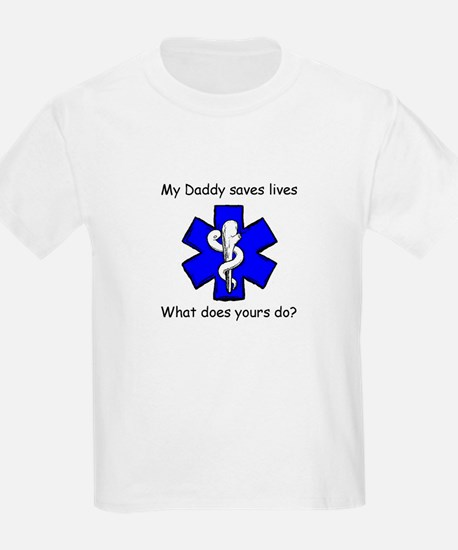 My Daddy saves lives Kids T-Shirt
