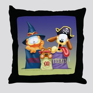 Garfield Trick or Treat Throw Pillow