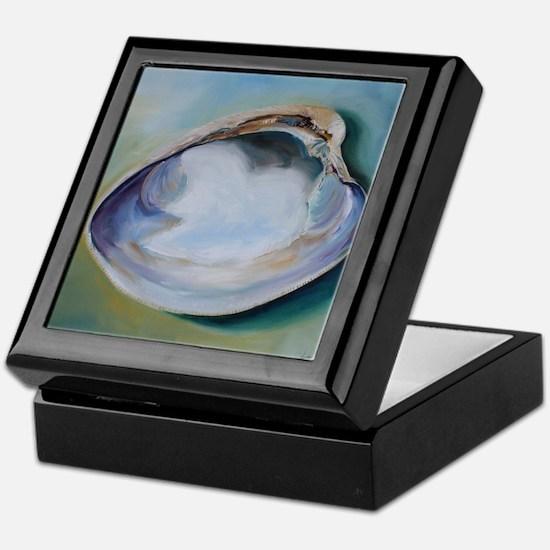 Clam Shell Keepsake Box